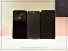 iPhone 7 Plus & OnePlus 5 Size Comparison