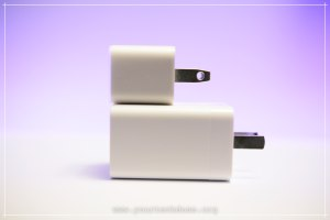 iPhone Charger vs. OnePlus 5 Dash Charger Side