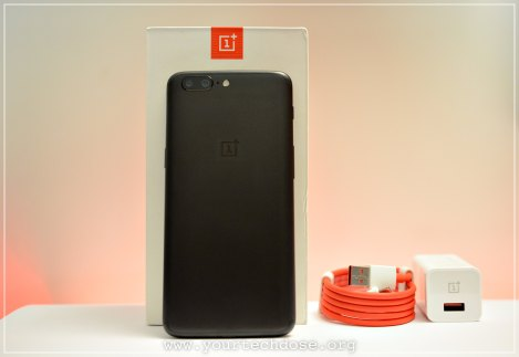OnePlus 5 Unboxing with dash charger and usb c