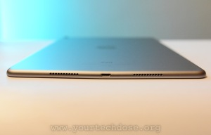 iPad Pro 10.5 bottom speakers and lightning port